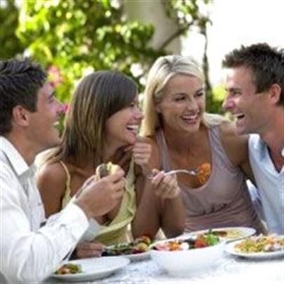 Arkadaşlarınız diyetinizi bozmasın!